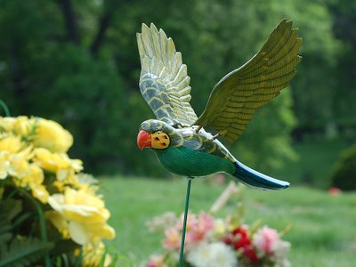 Parrot decoration at grave, Green-Wood Cemetery